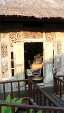 Tanah Lot Sonnenuntergang und ein Royal Dinner im Tugu Bali