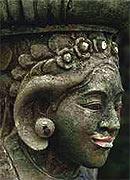 Batubulan ist bekannt f. seine Steinmetz- Arbeiten