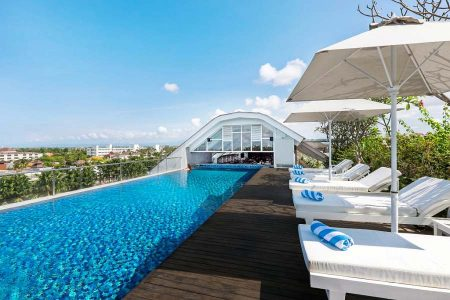 Infinity Pool at The Rooftop © Jambuluwuk Hotels and Resorts